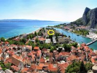 Apartments Omis For 4 in Center of Omis