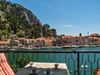 Apartments Omis Near River for 5