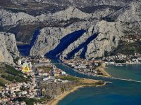 Apartments Omis For 5 in Omis