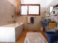 4 + 2 - Bathroom