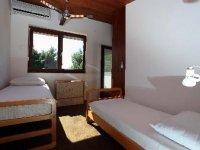 4 + 2 - Second Bedroom