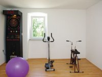 6 + 2 - Recreation Room